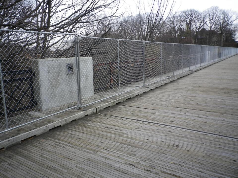 Cedarvale fence 011