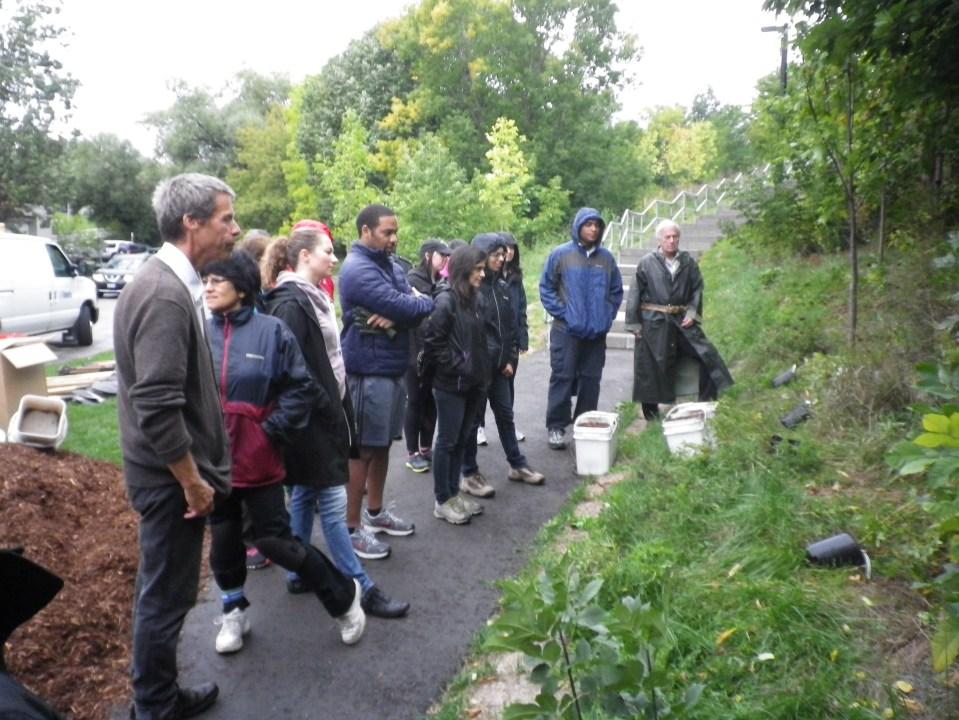 cedarvale-tree-planting-oct-1-2016-020