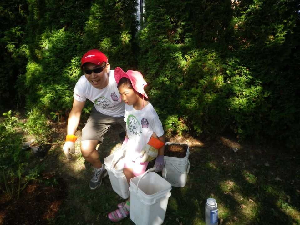Cedarvale planting Sept. 17 014