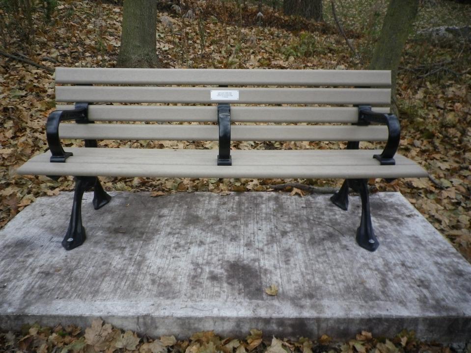 Cedarvale benches 742