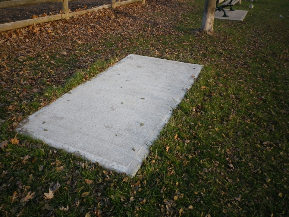 Cedarvale benches 748